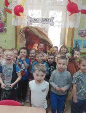Maluszki wśród dinozaurów